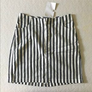 Brandy Melville Skirts - NEW Brandy Melville striped Kassia skirt